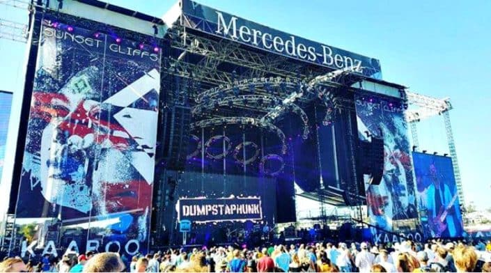 Which to the crowds like more at Kaaboo, the stage graphics or the music?